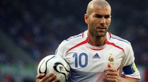 10 Numara Forma Giymiş 10 Futbolcu
